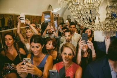 κινητά στο γάμο