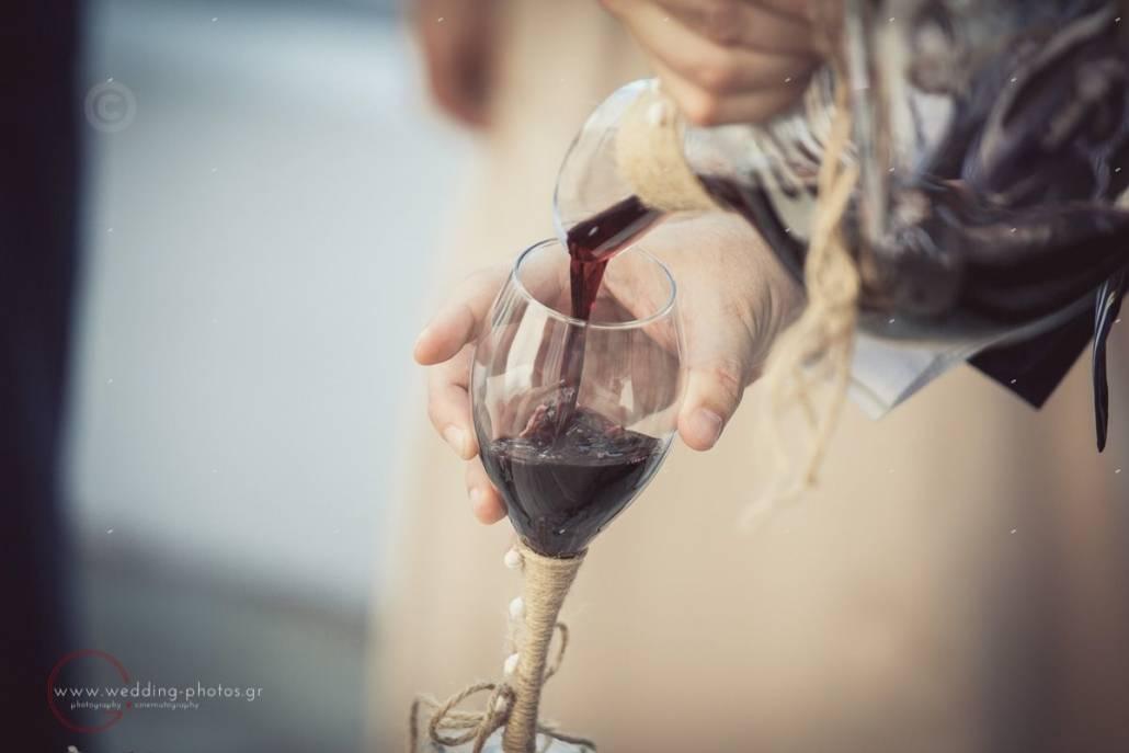 κανάτα και ποτήρι κρασιού για γάμο