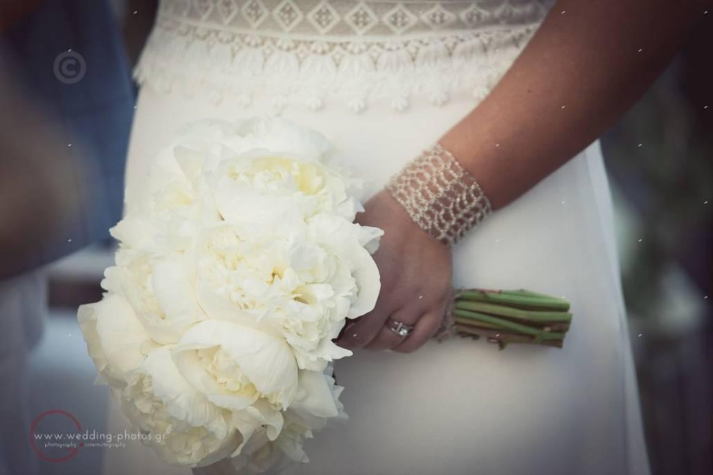 λευκή ανθοδέσμη νύφης