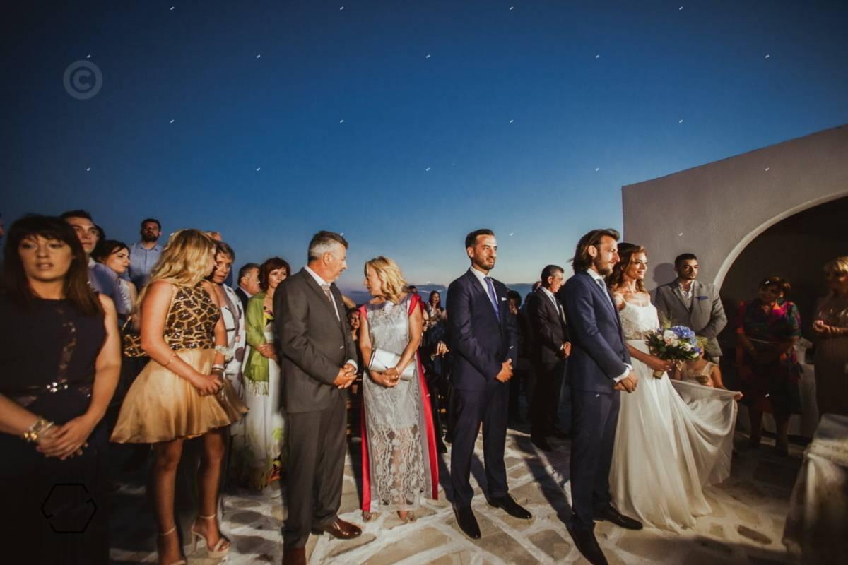 γάμος σε εξωτερικό χώρο