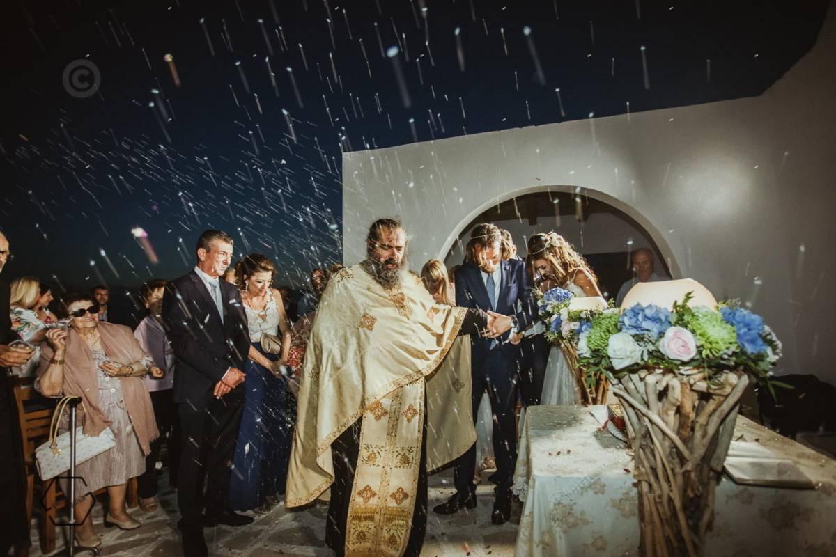 γάμος στον αΪ γιώργη αντίπαρος