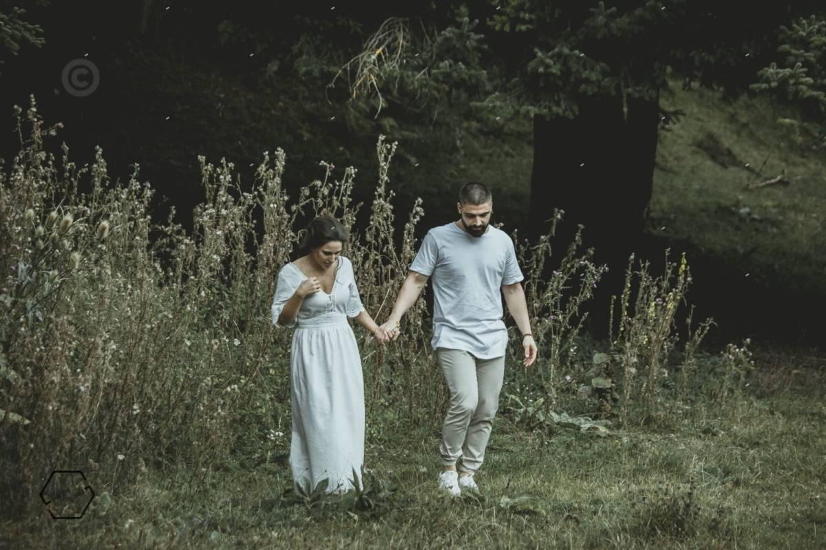 φωτογράφιση ζευγαριου στο δάσος