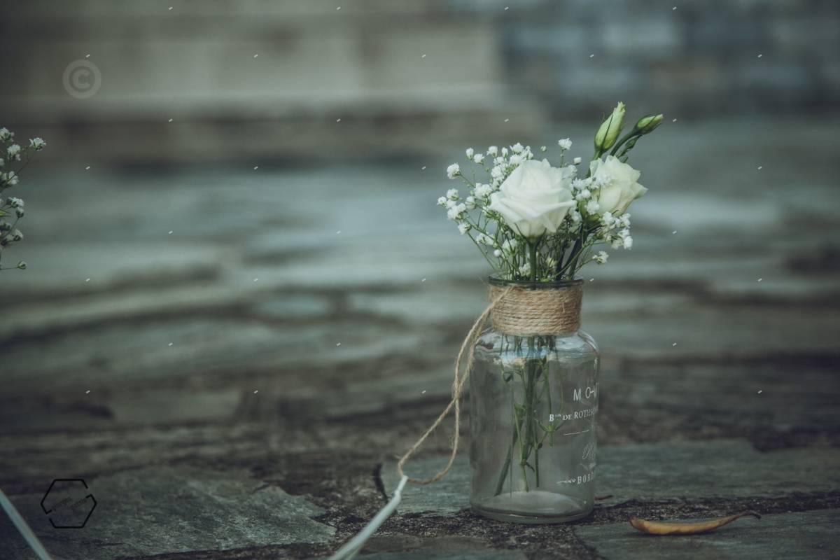 στολισμός λουλούδια σε βάζο