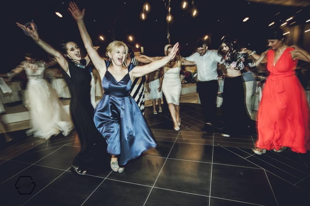 spontenaus wedding photos