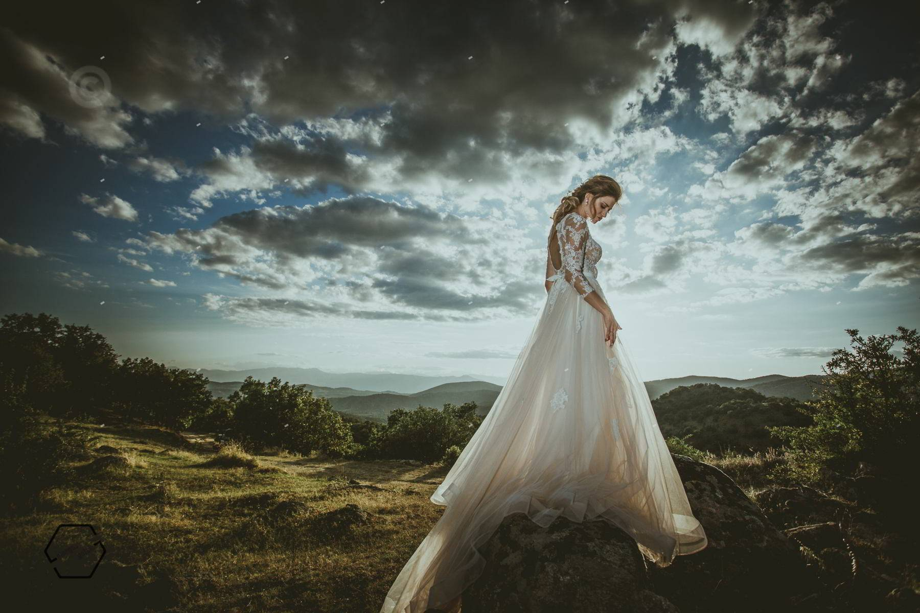 bride and bridress, natural pose