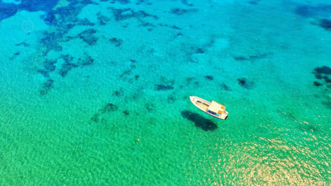 βάρκα στην αμοργό