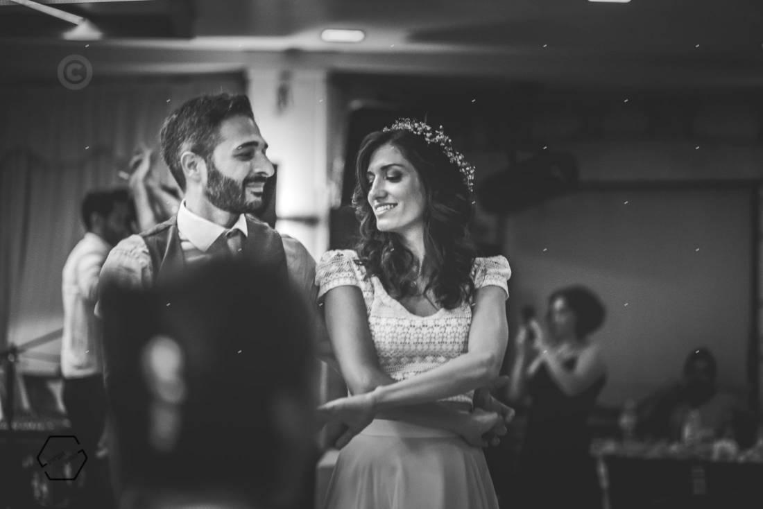 γλέντι σε κρητικό γάμο