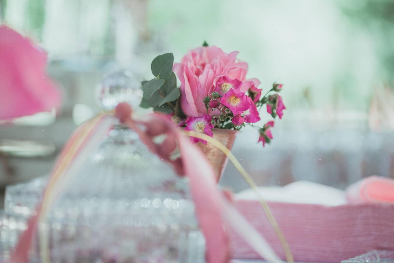 στολισμός βάπτισης λουλούδια