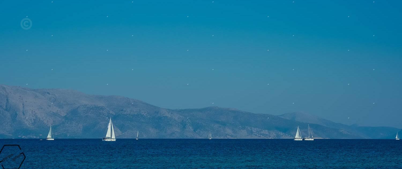 γαλάζια θάλασσα
