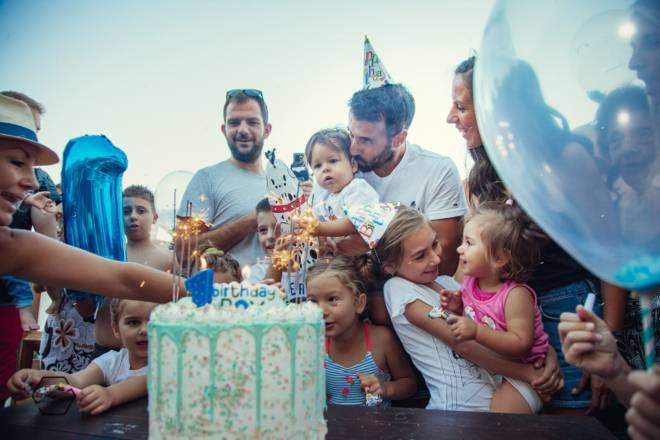 παιδικό πάρτι βάφτισης στη θάλασσα