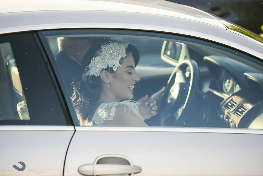 νύφη σε αυτοκίνητο