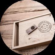 woden box | ξύλινο κουτί φωτογραφιών