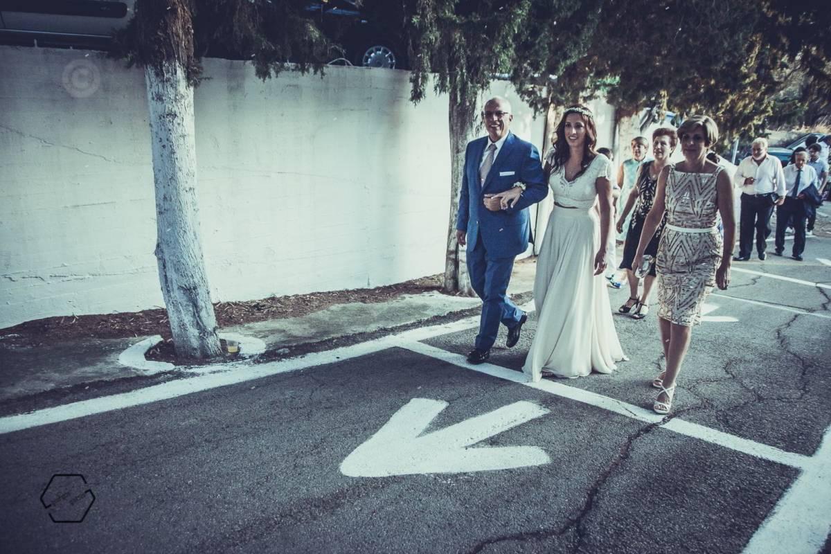 είσοδος νύφης με μουσική