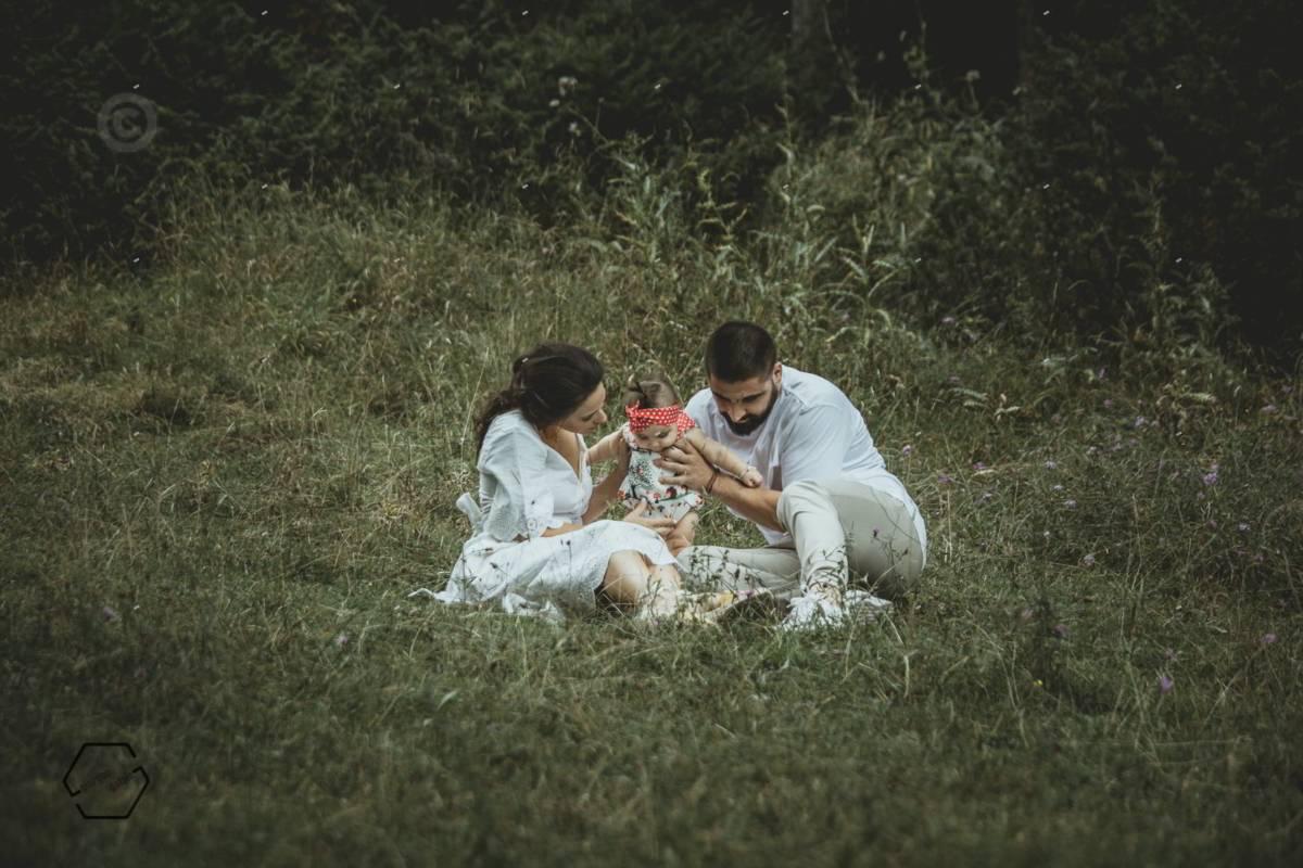 οικογενειακή φωτογράφηση στο δάσος