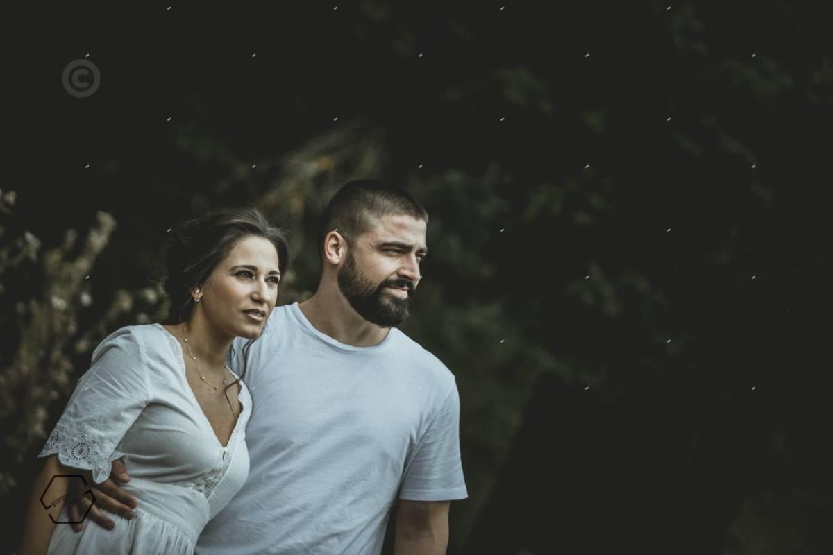 φωτογράφιση ζευγαριου στο δάσος περτουλίου