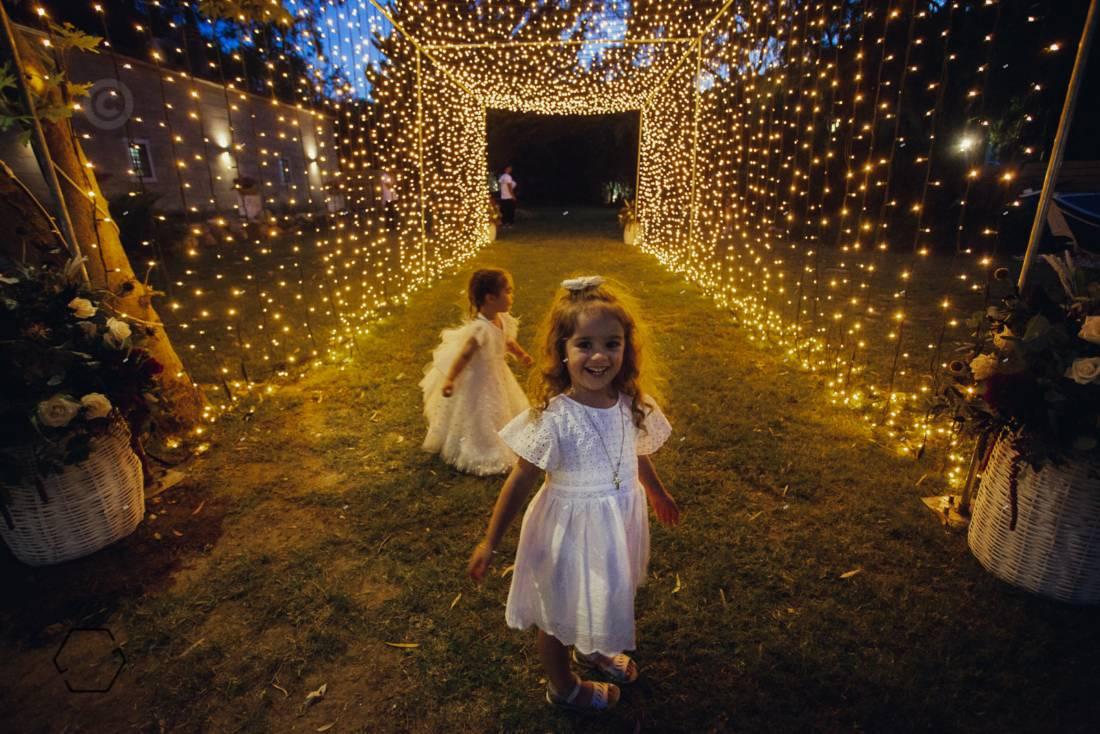 fairy lights σε γάμο